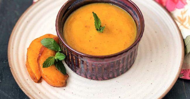 Полента с абрикосовым соусом