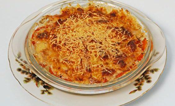 вегетарианская запеканка под соусом бешамель